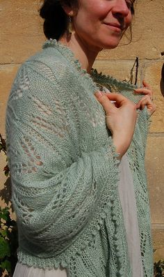 Ravelry: Lavender Green: a Victorian lace stole pattern by Elizabeth Felgate