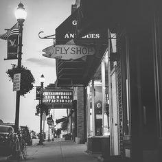 Main Street Viroqua. #viroqua #viroquawi #wisconsin #blackandwhite #fineartphotography #fineart #street #streetphotography #filmisnotdead #film #Kodak #monochrome #monochromatic http://ift.tt/1E20YDk | Photographer in Viroqua Wisconsin