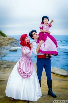 Ariel(the little mermaid)and family cosplay.