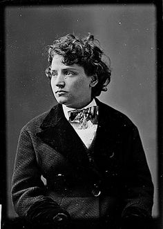 Tennessee Claflin, younger sister of 1872 female presidential candidate Victoria Woodhull. The sisters were the first female bankers and stock brokers to debut on Wall Street.