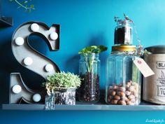 Idées déco : étagères végétales Decoration, Bar Cart, Shades, Sweet, Home Decor, Diy Room Decor, Decor, Candy, Shutters