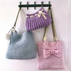 DIY – Crochet Valentine's Heart by BautaWitch Crochet Sachet, Crochet Dollies, Crochet Flowers, Free Crochet, Crochet Squares, Crochet Stitches, Crochet Patterns, Crochet Ideas, Crochet Crafts