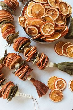 DIY Dried Citrus Garlands - Honestly WTF Honestly WTF – A daily dose of fashion discoveries and inspirations, contributed by a stylist and a designer who both see the world through rose-colored shades. Christmas Holidays, Christmas Crafts, Christmas Decorations, Dyi Decorations, Yule Crafts, Rustic Christmas, Christmas 2019, Christmas Ideas, Diy Crafts