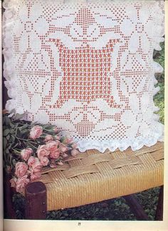 Gallery.ru / Фото #77 - Labores especial Ganchillo - tr30935 Crochet Cushion Pattern, Crochet Cushions, Crochet Doily Patterns, Crochet Doilies, Crochet Lace, Crochet Decoration, Crochet Home Decor, Fillet Crochet, Tatting Lace