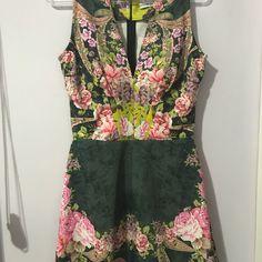 "14 curtidas, 5 comentários - DesapegosdaCa (@desapegosdaca7003) no Instagram: ""Vestido PatBo Patricia Bonaldi 36 P - de R$ 1.500,00 por R$ 450,00 #vestidodefesta #vestido…"""