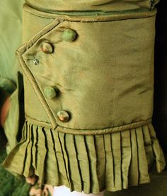 1868 Silk Costume sleeve detail