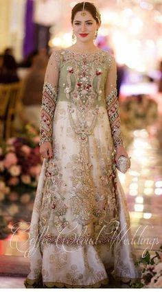 Pakistani Bridal Couture, Pakistani Fashion Party Wear, Pakistani Wedding Outfits, Pakistani Dresses Casual, Pakistani Dress Design, Bridal Outfits, Indian Dresses, Fancy Dress Design, Bridal Dress Design