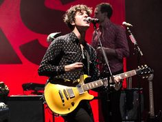 "Canal Electro Rock News: The Kooks disponibiliza para streaming versão ao vivo de ""See The Sun"""