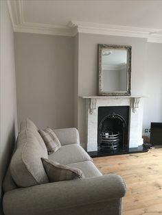 Victorian living room, coving and marble surround fireplace - Modern Design Art Deco Living Room, Living Room Shelves, Home Living Room, Living Room Designs, Victorian Terrace Interior, 1930s House Interior, Home Interior Design, White Fireplace, Modern Fireplace