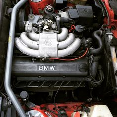 BMW E30 325i Touring engine bay