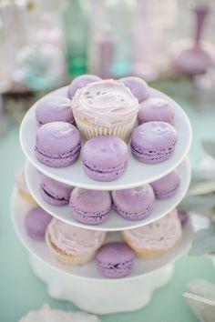 Lilac macaroons & cupcakes.  Sweet simplicity.