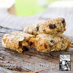 Nuestra barra de cereal #Susi, es una deliciosa combinación de cereales integrales, frutas y ajonjolí, con ella recibes naturalmente los beneficios de la fibra y la energía para seguir tu día saludablemente. 100% natural, libre de preservativos y sin azúcar #SusiPanaderíaArtesanal #EstiloDeVida #EstiloDeVidaSaludable #SnackSaludable  #EstiloDeVidaSaludable #SnackSaludable #Susi #Granola #Cereal #Oats #Pan #Bread #Brot #Panadería #SnacksSaludables #ComidaSaludable #Cereales #FrutosSecos…
