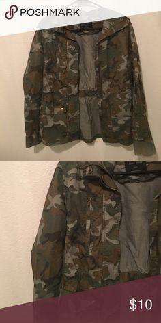 Camo Jacket Camouflage jacket, size small. Excellent condition :) Love Tree Jackets & Coats