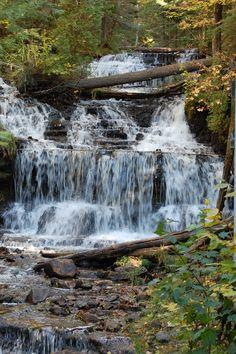 Pictured Rocks falls in Michigan