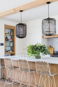 Interior Design Ideas: California Beach House - Home Bunch Interior Design Ideas Bamboo Pendant Light, Bamboo Light, Pink Paint Colors, Interior Paint Colors, California Beach, Modern Farmhouse Kitchens, Decorating Coffee Tables, Luxury Interior Design, Painting Cabinets