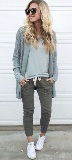 Photo Casual style addiction / back to comfy style from How to Look Fashion-Forward This Fall: Best Outfit Ideas Fashion 2017, Look Fashion, Autumn Fashion, Fashion Trends, Womens Fashion, Fashion Ideas, Ladies Fashion, Fashion Outfits, Teen Fashion