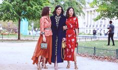 Whether it's on the runway or the cobblestoned streets of Paris, Fashion Week in the City of Lights is always a fabulous celebration of style. Paris Fashion, Fashion Fashion, Fashion Dresses, Virtual Fashion, Fashion Design Sketches, Street Style Summer, Comfortable Fashion, Classy Fashion, Nova