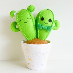Cactus Craft, Cactus Decor, Felt Crafts Diy, Felt Diy, Kawaii Cross Stitch, Felt Succulents, Felt Decorations, Felt Patterns, Felt Fabric