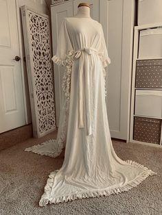 ivory/gauze dress/Maternity Gown/Maternity Dress/Maternity dress for photo shoot/Baby shower dress/bohemian dress/kaftan dress #ivory #FittingGown #BabyShower #MaternityFitted #wedding #MaternityDress #BabyShowerDress #MaternityPhoto #MaternityWedding #JerseyGown White Maternity Dresses, Black Prom Dresses, Plus Size Maxi Dresses, Gauze Dress, Wool Dress, Black Dress With Sleeves, Minimalist Dresses, Long Sleeve Sweater Dress, Long Evening Gowns