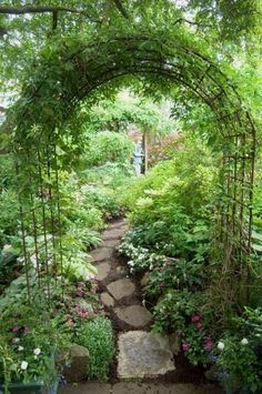 garten ideen archway and path, using inexpensive garden arches found everywhere Easy Gardening For Beginners Do you admire other peoples gardens but think which you could never have one? Garden Archway, Garden Paths, Garden Pond, Garden Entrance, Corner Garden, Diy Garden, Garden Structures, Small Garden Arch, Small Back Garden Ideas