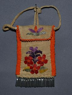 plains bag -- looks like tufted moosehair, making this Northern Plains