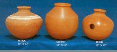 GHATAM   El ghatam, es una especie de vasija cerámica, que se percute con las manos tanto en el cuerpo como en la boca de la vasija, logrando efectos similares a los de la tabla.