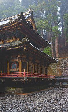 taiyuin mausoleum (taiyū-in reibyō), rinnō-ji temple complex, nikkō, japan