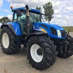 New Holland TVT 195 - Trekkerweb New Holland Ford, New Holland Tractor, Triumph Motorcycles, Ducati, Mopar, Motocross, Lamborghini, New Holland Agriculture, Combine Harvester