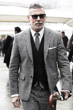 Modern style icon Nick Wooster in bold glen plaid suit Fashion Moda, Mens Fashion Suits, Mens Suits, Fashion Outfits, Men's Fashion, Winter Fashion, Mens Check Suits, Grey Check Suit, Older Mens Fashion