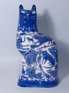 "Blu + white""Marigold Family Tree Cat"" by Vicky Lindo - Scrafitto decorated slipcast earthernware Ceramic Pottery, Pottery Art, Ceramic Art, Johann Wolfgang Von Goethe, Blue And White China, Sgraffito, Blue Cats, Cat Crafts, Crazy Cat Lady"