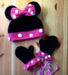 Crochet Baby Hats Minnie Mouse Hat and Mitten set Crochet Hat by BellaBeansCro… Bonnet Crochet, Crochet Gifts, Cute Crochet, Knit Or Crochet, Crochet Baby Beanie, Crochet Kids Hats, Baby Knitting, Crocheted Hats, Crochet Mignon