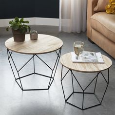 Unordinary Geometric Table Designs Ideas With Art Deco Style 39 Coffee Table 2019, Retro Coffee Tables, Coffe Table, Contemporary Coffee Table, Modern Table, Metal Furniture, Furniture Design, Homemade Sofa, Petites Tables