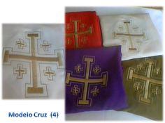 Casullas de la Cruz Papal