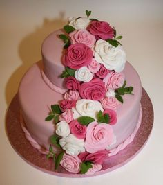 Punschtorte mit Fondantrosen Girlande & Minze - birthday cake with fondant rose garland & spearmint Fondant Rose, Fondant Cakes, Rose Garland, Birthday Cake, Desserts, Wedding, Pink, Mint, Wedding Ideas