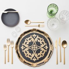 Black & Gold Florentine Chargers + Heath Ceramics in Indigo/Slate + 24k Gold Collection Flatware + Vintage Green/EAPG/Champagne Coupe Trios + Antique Crystal Salt Cellars | Casa de Perrin Design Presentation