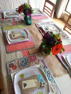 Summer Christmas table setting, non traditional colours Summer Christmas, Christmas Crafts, Xmas, Christmas Ideas, Christmas Table Settings, Summer Bbq, Colours, Traditional, Cheer
