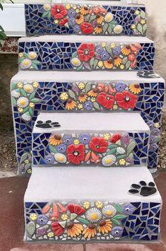 Mosaic Garden Art, Mosaic Tile Art, Mosaic Artwork, Mosaic Diy, Mosaic Crafts, Mosaic Projects, Mosaic Glass, Stained Glass, Diy Home Crafts