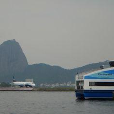 Retratos dos transportes na Baía de Guanabara.. #baiadeguanabara #labhidroufrj #ufrj #riodejaneiro #errejota #agua #analisedeagua #guanabarabay #azul #barca #retrato #thefabulousproject
