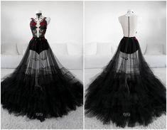 An Elusive Soul Gown - Askasu Ball Dresses, Ball Gowns, Prom Dresses, Dark Fashion, French Fashion, Classy Fashion, Fashion Tips, Petite Fashion, Winter Fashion