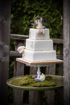 Wedding Forest Enchanted Fairytale Beautiful 44 Ideas For 2019 Square Wedding Cakes, Wedding Cake Designs, Wedding Ideas, Wedding Trends, Wedding Inspiration, Enchanted Forrest Wedding, Forest Wedding, Wedding Party Invites, Floral Wedding Invitations