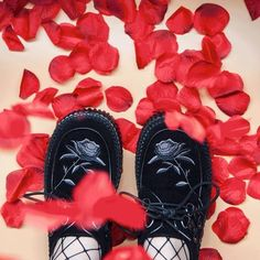 Shoe Love Is True Love 😍❤  Do you own Creepers?