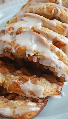 Apple Fritter Pull-Apart Bread - Host The Toast Apple Fritter Bread, Apple Bread, Apple Fritters, Apple Pie, Apple Recipes, Bread Recipes, Cooking Recipes, Yummy Recipes, Breakfast Recipes