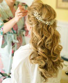 Los peinados de novia para pelo largo rizado