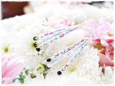 Boucles en papier dans l'esprit japonais { DIY }  http://www.bertilleenguenilles.fr/boucles-en-papier-dans-l-esprit-japonais-diy-a108049064