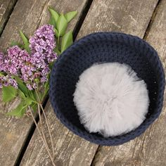 Crochet basket and a pompon- so chic!