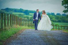 Lauara & David : Wedding Photographers Llansantfraed Court