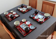 Japanese table setting with our porcelaine products from Arita. #japon #artdelatable www.omotenashicuisine.com