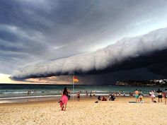 Shelf Cloud, Australia