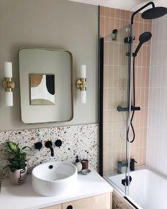 Bathroom Tile Designs, Modern Bathroom Decor, Bathroom Interior Design, Bathroom Ideas, Budget Bathroom, Bathroom Remodeling, Best Bathroom Tiles, Remodeling Ideas, Modern Bathrooms