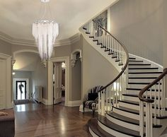 147 the best stairs ideas to interior design your home -page 26 Interior Design Your Home, Luxury Interior, Painted Stairs, Foyer Decorating, Staircase Design, Staircase Lighting Ideas, Foyer Staircase, Foyer Lighting, Curved Staircase